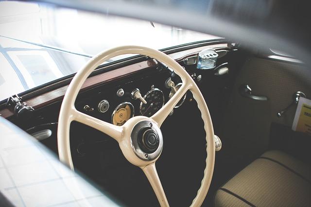 car-865170_640